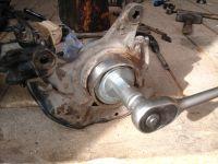 Замена передних ступичных подшипников и тормозных дисков Mazda 626