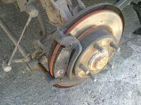Подробнее: Ремонт задних суппортов: замена тормозных дисков Mazda 626